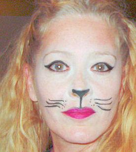 Ma made herself look like a Kat!